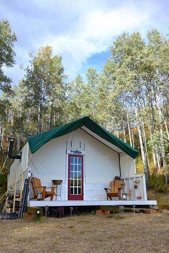 tn_vokey-tent-outside