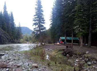 tent-river